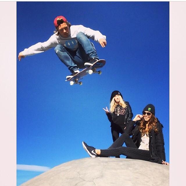 @tomerikryen  popping over babes @lindseybowyer  @kelseysliwinski  at #jlaskatepark
