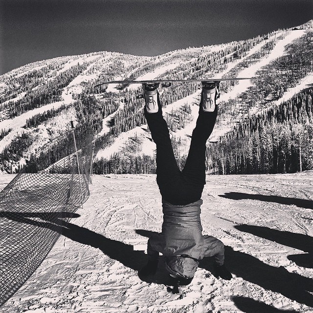 Headstand 'n' happy places❄️ #blackandwhitephotochallenge