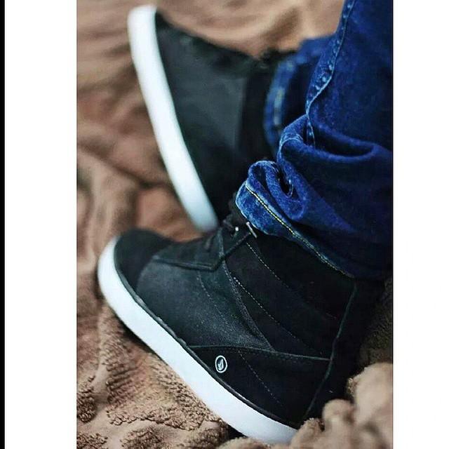 Repost @jorgallery Fo Black #VolcomFootwear #SS15 #Volcom
