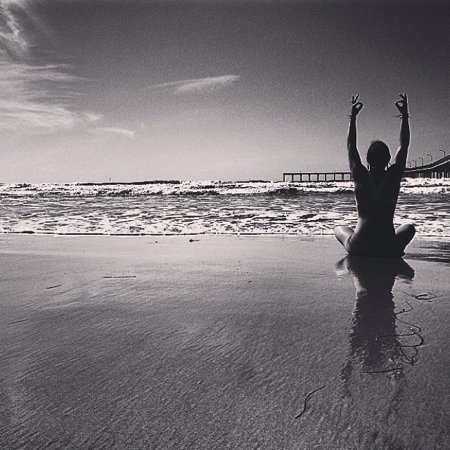 Love this black and white from @nautilussup reminding us to get plenty of vitamin D and Sea!