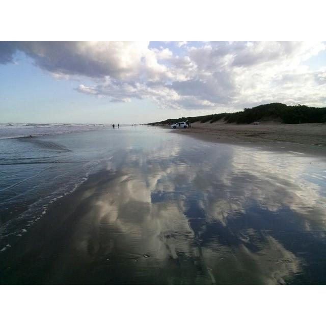 El mejor horario para salir a correr. Merecido descansoo #running #loveit #beach #praia #playa #paz #NuevaAtlantis