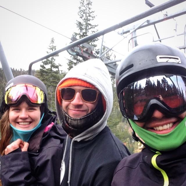 Opening weekend laps #northstarcalifornia #snowboarding @mayohmy @moofosta @dougfagel  #thrivesnowboards