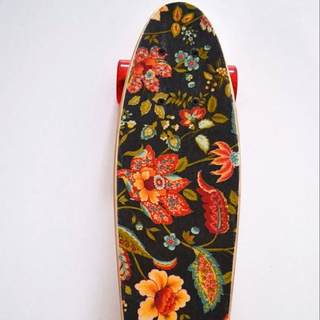 #AkelaSurf  skateboard  black  cruiser  available  online  and the Boutique  limited  edition
