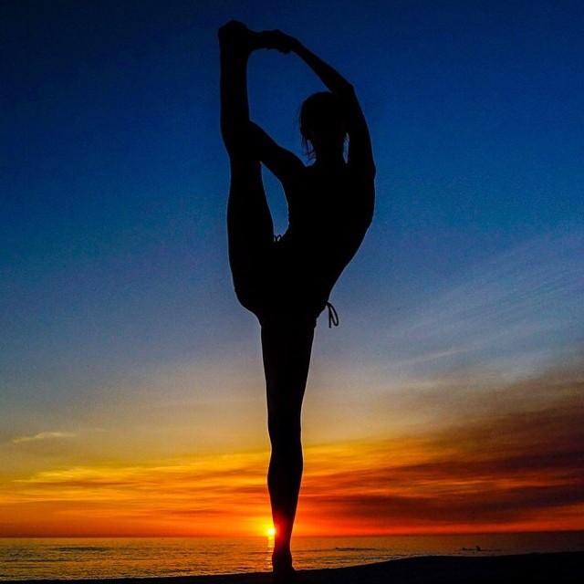 Awe inspiring silouette of @kathrynmccann by @ricklebeau photography  #kathrynmccann #yogi #inspiration #nevergiveup #flexibility #strength #perseverance #hope #trust #faith #sunset #universe #dream #newmoon #intention #goals #love
