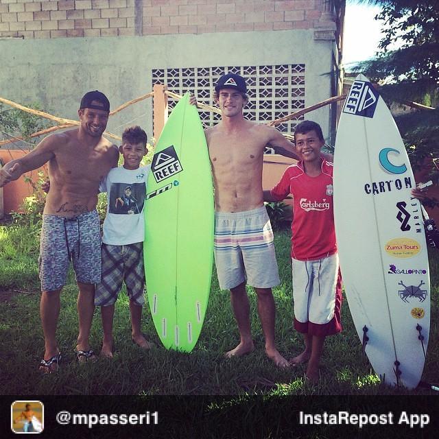 Repost from @mpasseri1 via @igrepost_app, it's free! Use the @igrepost_app to save, repost Instagram pics and videos, El #Surfing es #Sonreir, #Compartir y #Retribuir. Con el campeón @alaslatintour @anthonyfillingim dejamos nuestra Semilla en...