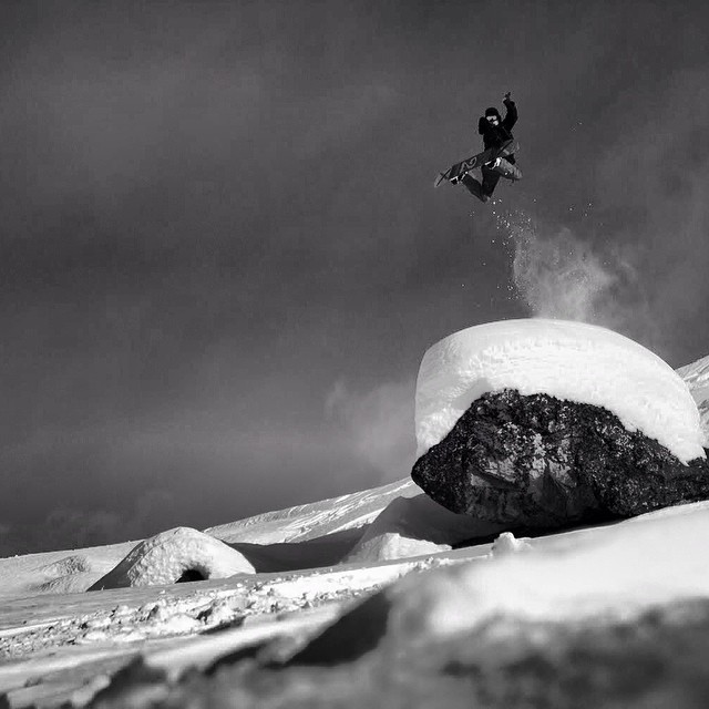 Nice method for a Monday shot by @dominicsteinmann of #phillipzurbrigge in the backcountry from #issue33 #steezmagazine #method #snowboarding #backcountry