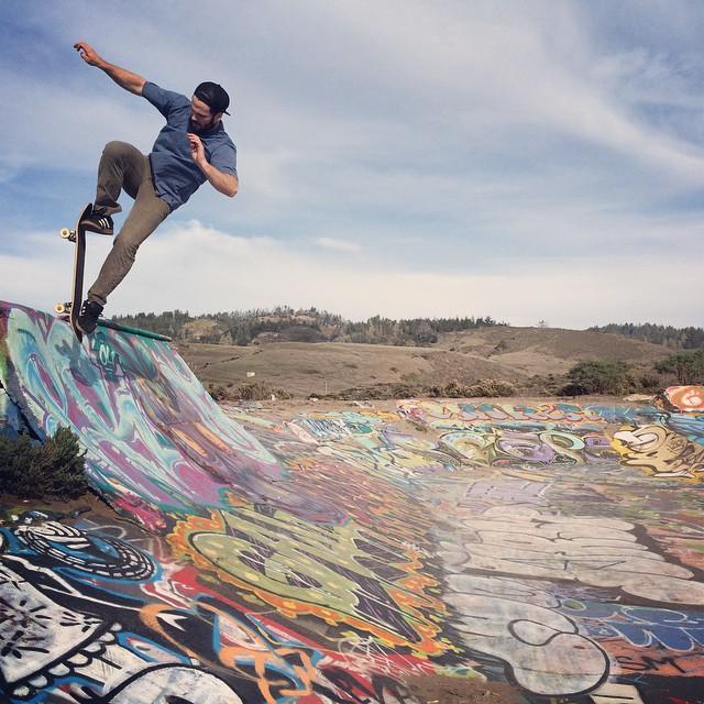 @chubbaluv #skateboarding #caliberstandards #calibertrucks #chubbsneedstogetbacktowork #asap #bluntfakie