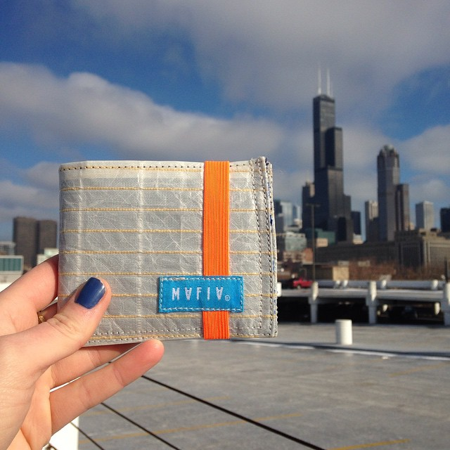 From the papel to the #skinnywallet // this is the hand of @radillustrates , our favorite illustrator based in #Chicago