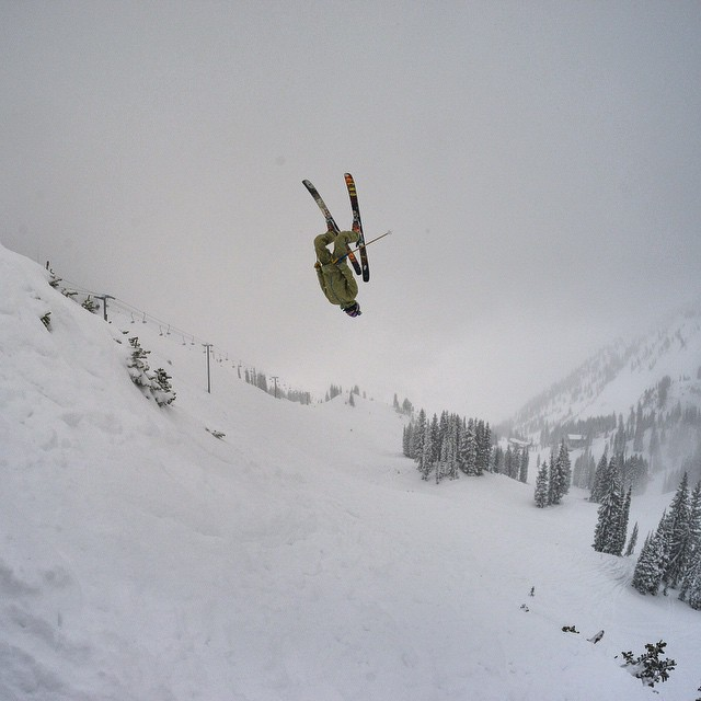 "Takin' her deep, Sander Hadley lights it up in Alta's Wildcat zone yesterday... ""Hello down there!"" #TribeUP Wildcat!  Photo: Trevor Woods @doworkdontsleep  @sanderhadley #PandaPoles"