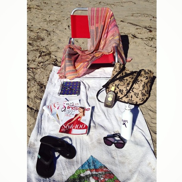Fall beach essentials by @ksleshh featuring our Seafoam Innertubed Sandals and Black Burlap Beach Bag w/ repurposed rice bag liner #regram #innertubed #soleswithsoul
