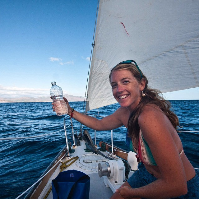 @Autumn_Foushee collects ocean water samples for the ‪#‎ASCMicroplastics‬ project aboard the Rascal, Sea of Cortez, Mexico.  #sailing #voyageoftherascal #mexico #seaofcortez #datacollection