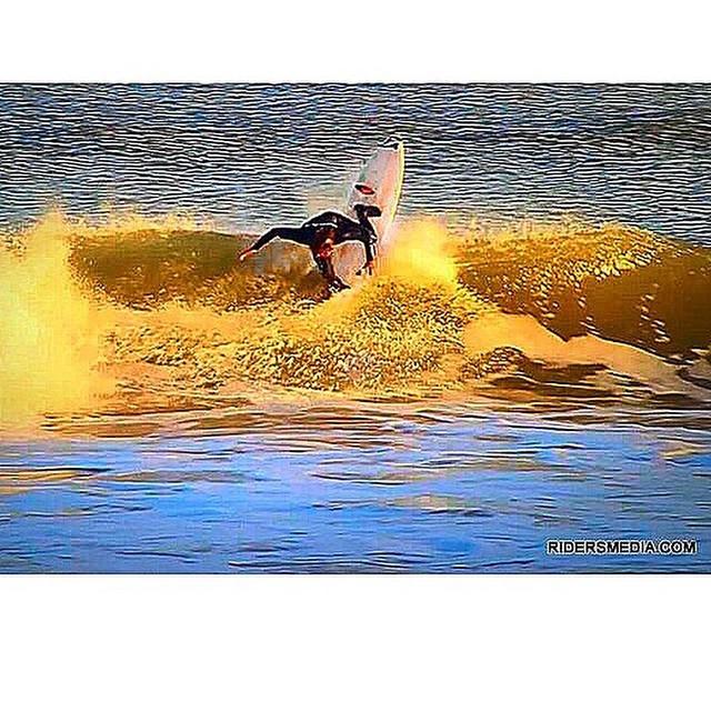 Repost Felipe Suarez @felisuarez1 + @sharpeyesurfboards #Volcom #Surf #TruetoThis
