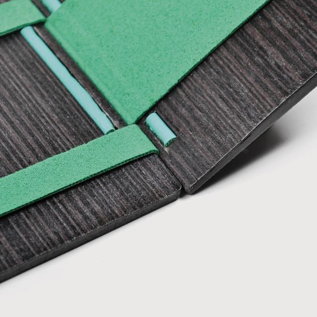 Baum ofrece una mano de obra fina, dándole el estilo y la delicadeza, para la utilización de una billetera de diseño, adaptando los recursos naturales que nuestro planeta ofrece.