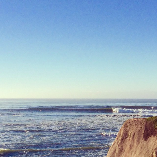 Happy Black Friday! And finally the swell is here. Check out the Surf Report of the day by Marc Vilanova from Pleasure Point - Awesome! · Head+ (6-10ft) · Textured · Full #goFlow #BlackFriday #Thanksgiving #California #Friday #Surf