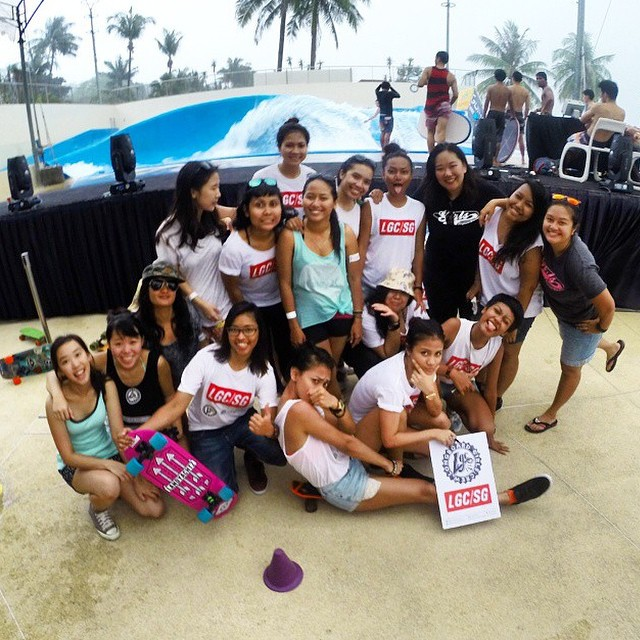 Today @lgcmalaysia & @lgcsingapore got together for a fun day of shred and games. Awesome girls! Repost from @wanazainal  #longboardgirlscrew #girlswhoshred #lgcmalaysia #lgcsingapore