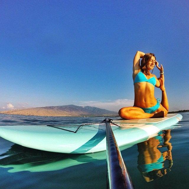 Now this is our idea of a good morning! Beautiful mermaid pose from @sehsa in Maui!
