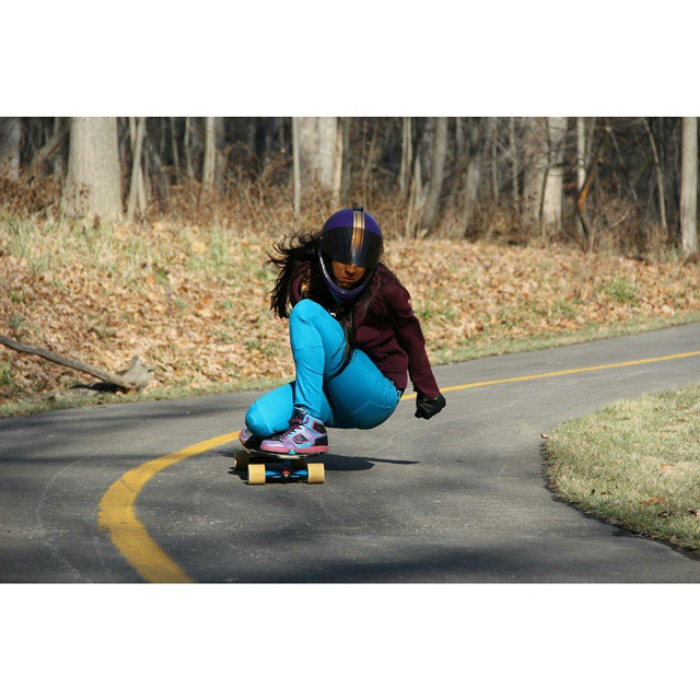 Amanda Lopez Morfin is a serious shredder.  She is fresh from an injury and ripping! Keep it up lady <3 photo: Capaneus skateboards #longboardgirlscrew #girlswhoshred