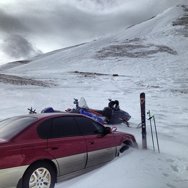Found this #subaru marooned at the top of Jones Pass. #dudewheresmycar #sledskiing #opps