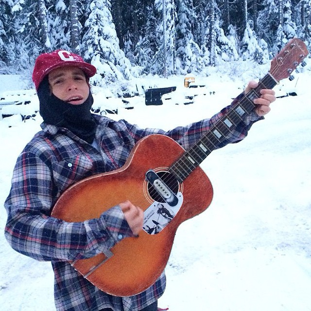 Coal's @austensweetin serenaded the snow to celebrate the holidays. Where did you find #fineliving?