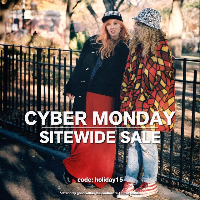Cyber Monday: Sitewide Sale. Link on our bio ☝️✨#kangol