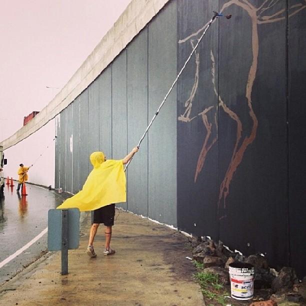 Re post @kosovogallery por más de que llueva se esta terminando el puente 5 de #proyectopuentecba de la mano de @studiochu @francofasolijaz