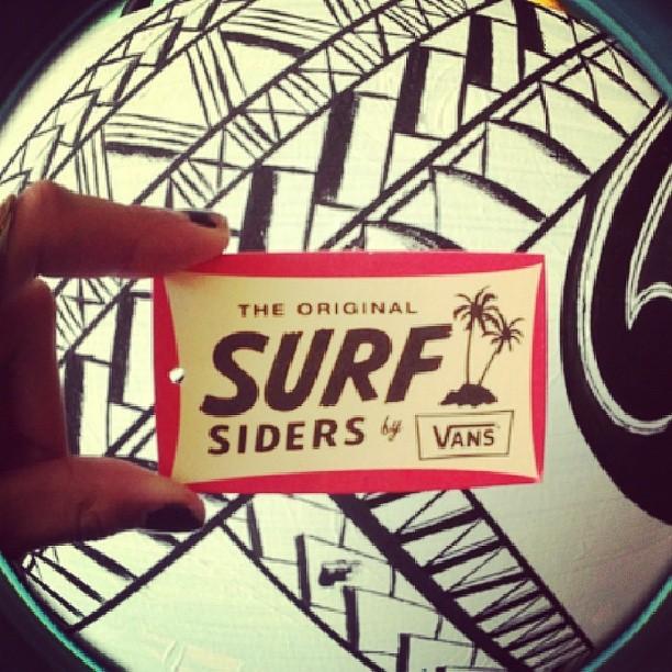 Se viene el lanzamiento de la línea #SurfSiders. Vamos a hacer un evento de Surf pero... en Buenos Aires. Los que quieran venir atentos que el martes y miercoles proximo vamos a sortear entradas x Twitter!! @vansargentina