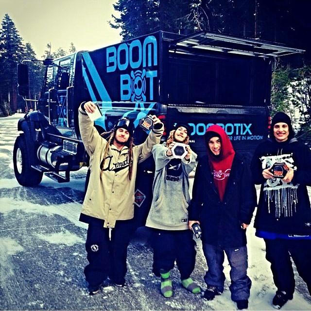 We hit the slopes with @henrikharlaut1 and @casablunt, two of the top freestyle skiers in the game! #mammoth #boomtruck #slopedaze