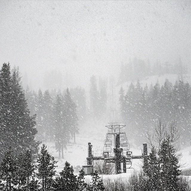 #regram from @borealmtn and @woodwardtahoe It's snowing in Tahoe! #flux #fluxbindings ❄️