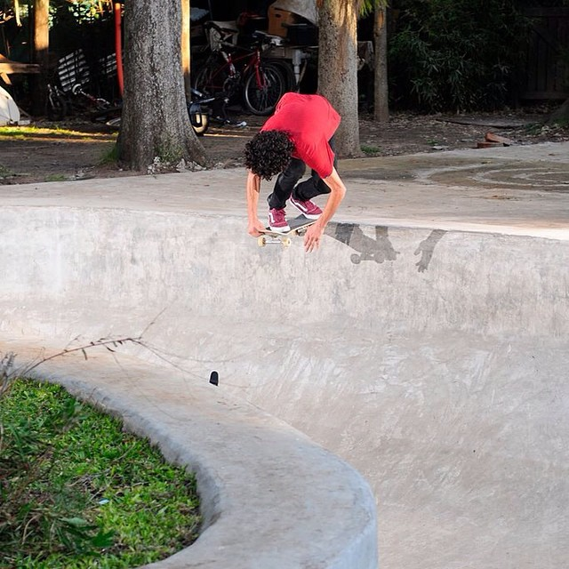 Secret pool, backside crail, @dariomattarollo #skatevans