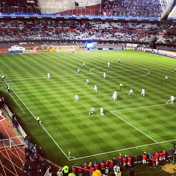 #argentina vs #peru #monumental eliminatorias última fechaa! Tremendo #kun !