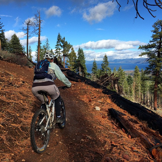 #powdirt on Tahoe Mountain Trail! Probably the fastest the dirt has been all year! Insane views at the top of #mttallac which is covered in snow and on the other side the insane view of #laketahoe.  I highly recommend hitting the bike trails while you...
