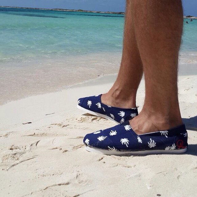 No culpes a la playa, culpa a las QA Palm Beach Azul #QuiénSabedeActitud #QAxelMundo #TheQALife www.QA.com.ar