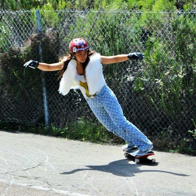 Go to www.longboardgirlscrew.com and check LGC #USA rider Yvonne Byers killing it!  #longboardgirlscrew #girlswhoshred