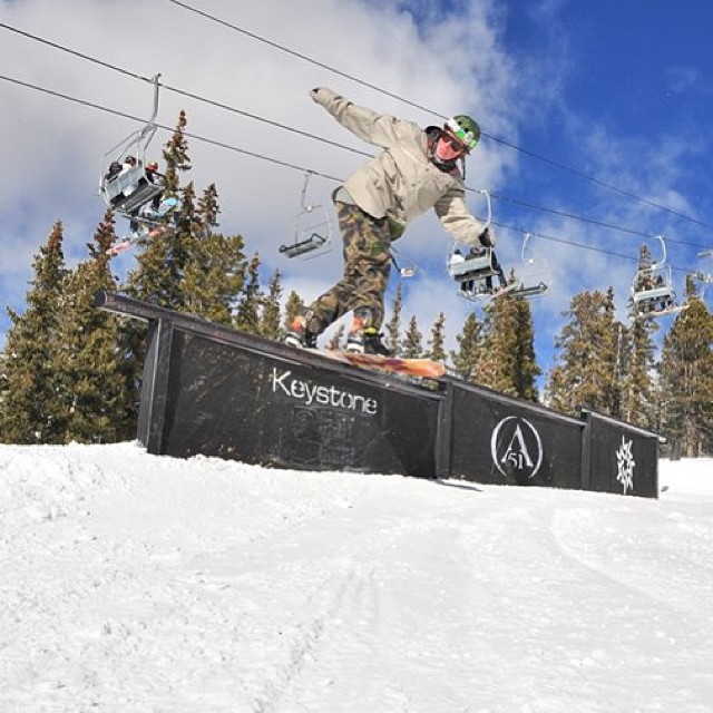 @camocody having a great day shredding with the hommies @keystoneresort