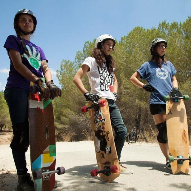 #MicaelaWilson, @jennarus & @jackymadenfrost waiting for their turn while shooting OPEN in #Israel. Full movie coming soon! @loadedboards @orangatangwheels @thepucksslidepucks @vaultskate @dasilvaboards @toxicworldshop Pic @gadoreitor #lgcopen