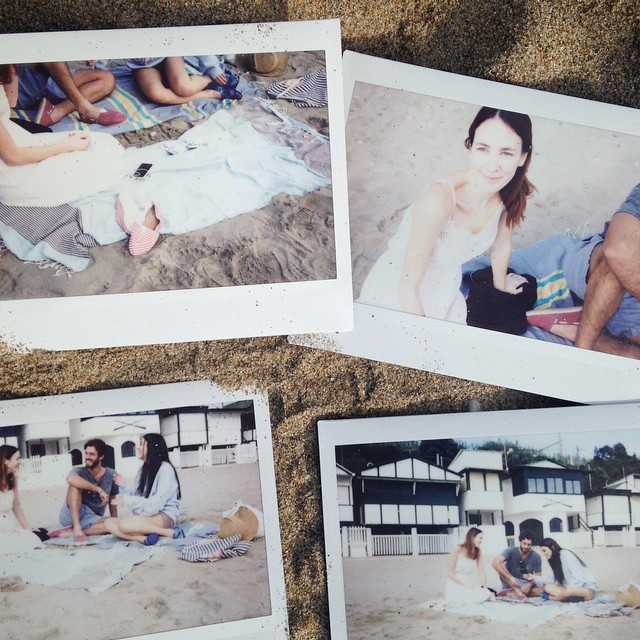 Shooting day! Friends at Garraf beach in Barcelona.. Keeping it warm! #Paezshoes #summer vibes. #Paez #collection