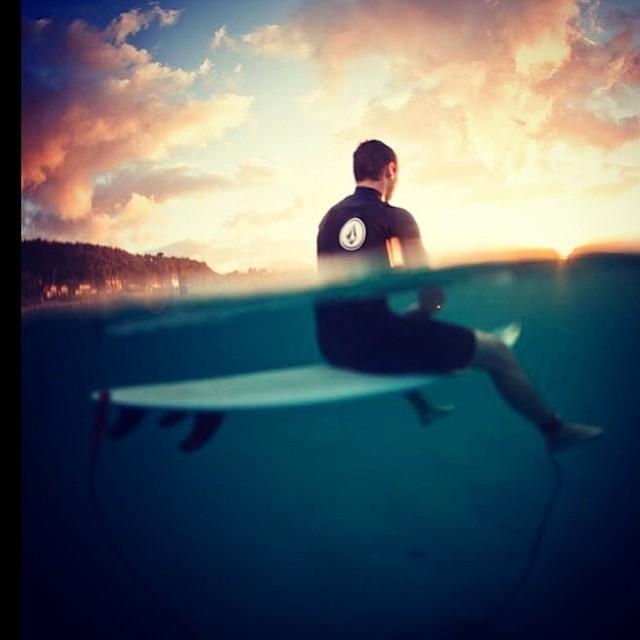 Nuestra mirada está puesta en el fin de semana! #makeyourworkworth #volcom #almostweekend PH @juanbacagianis @felisuarez1 #hawaii2013