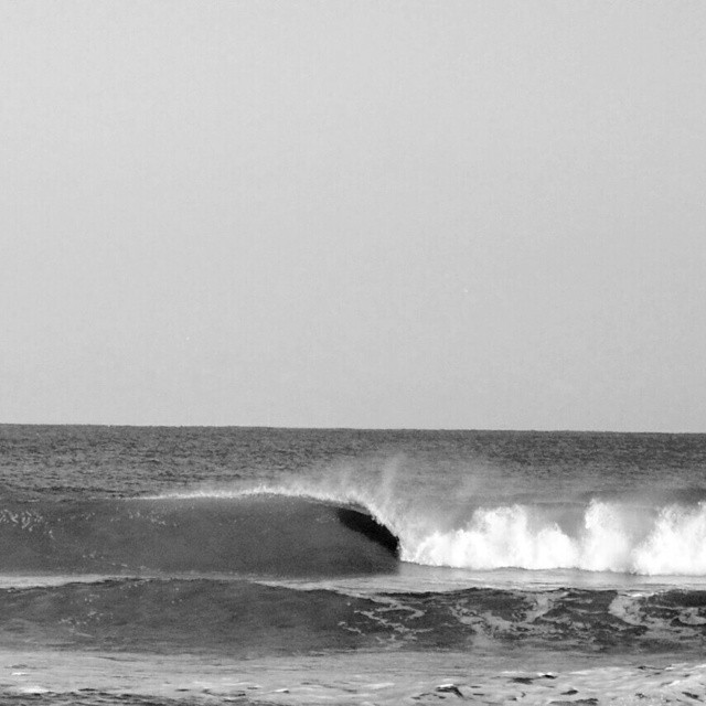 Swell :) #AkelaSurf  Boutique