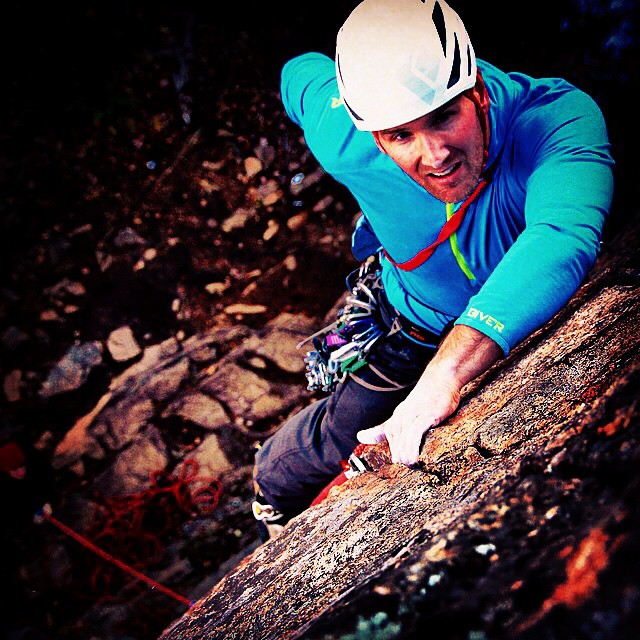 25% OFF the Give'r ALLSPORT hooded base layer today only! @perrotein @giddyorganics Visit our website in profile for details! #sale #rockclimbing