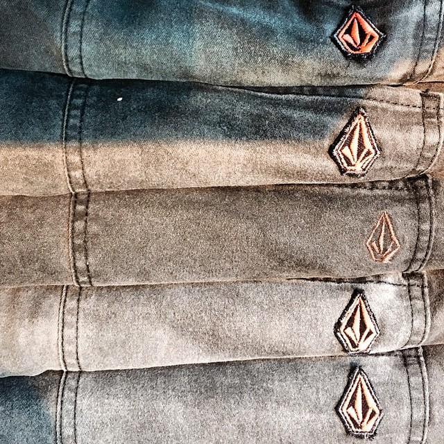 Volcom Brand Jeans #RoadteastedStrechDenim #VBJ #strech #Denim estamos en movimiento