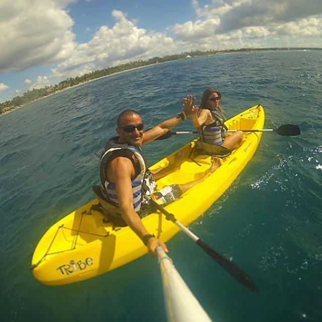 Kayando por el mar caribe en La Republica Dominicana - Bahaibe.