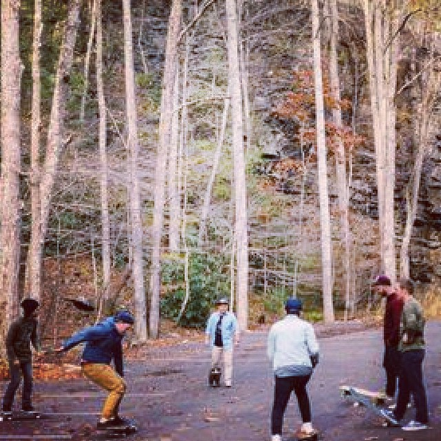 It's the weekend. Grab some friends and go skate. Photo cred: @_anchored #skatetheedges