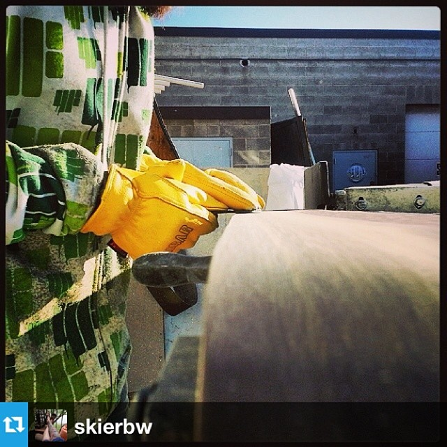 #Repost from @skierbw with @danimal6666 out back grindin skis today.