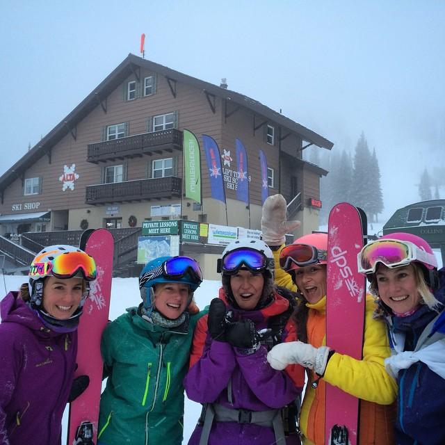 The ladies were out and shredding pow around @altaskiarea today for International Women's Ski Day! @shejumps #ski #skiing #powder