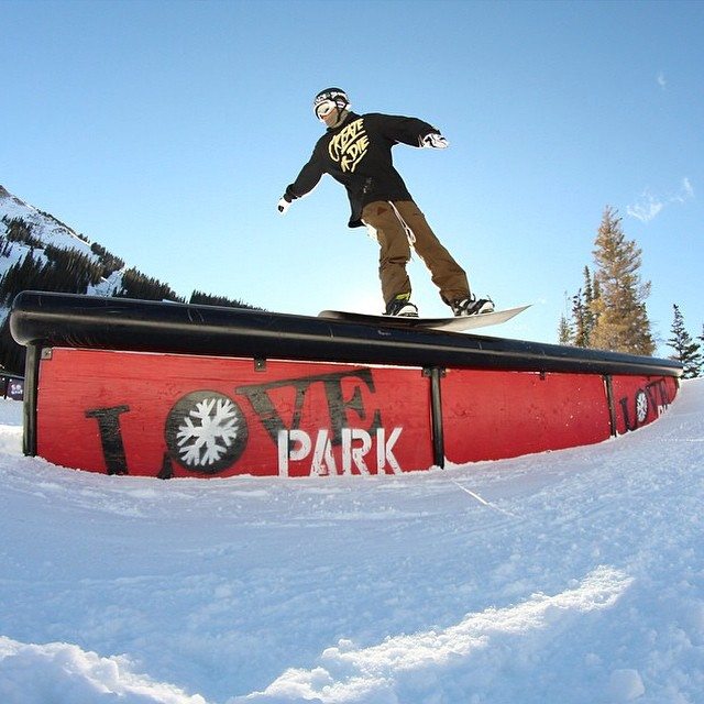 Our boy @camocody nose pressing on the firs stop of the #SoGnar tour