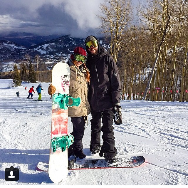 Regram from @_oko_  showing the love out on the hill this weekend with @maseintheplace #grenadegloves #snowisthego