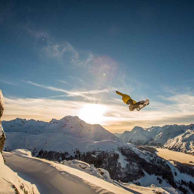 When you wake up to a blanket of fresh white powder there's nothing to do but ride it.  @fernandeziker flys high in the lens of Asymbol artist @vernondeck on the set of Mr. Plant.