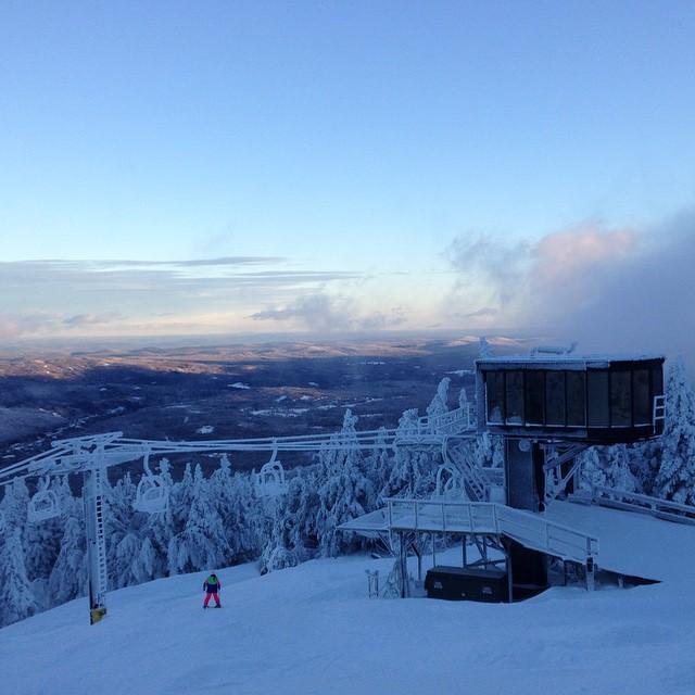 #mountsnow #winterishere #ilovermont #802 #skiing #snowboarding #snow #sendit @zayjmad191 @drausch1976 @hollymkey #justsendit