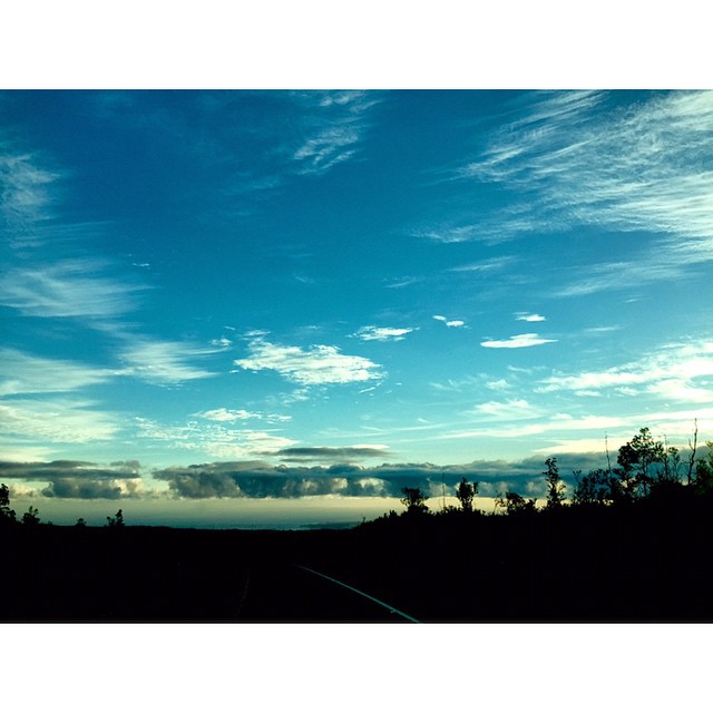 Sunrise from above Hilo  #kaenon #wiseguides #lifeinhifi #isurfiyoga #irideirecycle #rareformoutdoors #imaginelifestyle #konaboys #teambioastin  #navitasnaturals