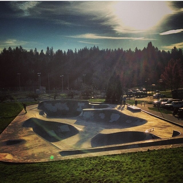 Great day for #skating with @jamiejacobson8 . #GetOutside and enjoy the weekend weather . #PNW #skatepark @libtechskate